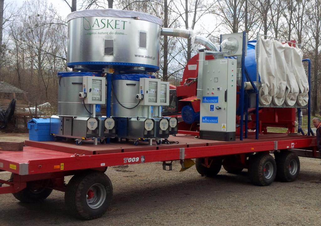 biomasser mobile na przyczepie rolniczej